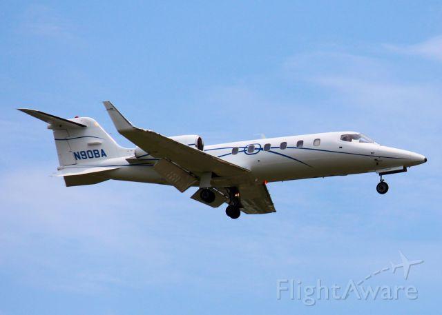 Learjet 31 (N90BA) - Landing at Shreveport Regional.
