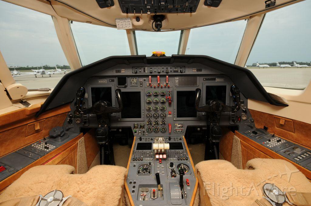 Dassault Falcon 50 (N504CX)