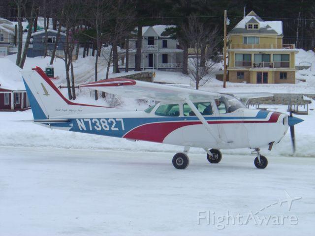 Cessna Skyhawk (N73827) - ALTON BAY FEB 09