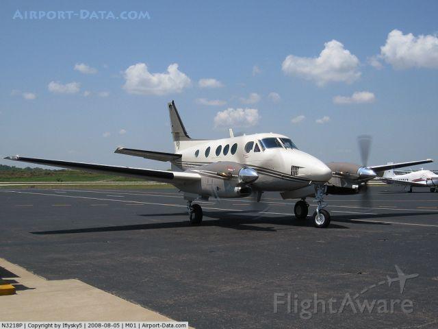Beechcraft King Air 90 (N3218P)
