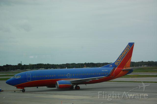 Boeing 737-700 (N371SW) - Taken on 9/26/09
