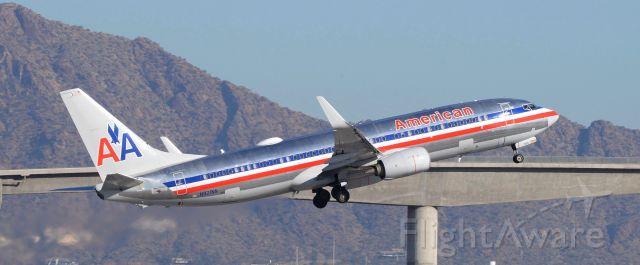 Boeing 737-700 (N921NN) - Phoenix Sky Harbor International Airport 17JAN20
