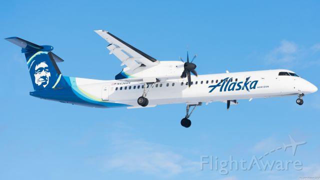 de Havilland Dash 8-400 (N436QX)