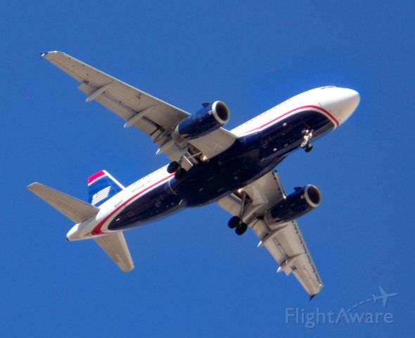 Airbus A319 (N806AW) - About a 1 mile final for one of the 01
