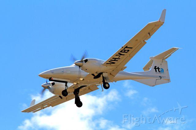 BH-YBT — - FLIGHT TRAINING ADELAIDE - DIAMOND DA-42-TWIN STAR - REG VH-YBT (CN 42-207) - PARAFIELD ADELAIDE SA. AUSTRALIA - YPPF (21/11/2014)CANON 550D CAMERA AND CANON 300MM FIXED LENSE.
