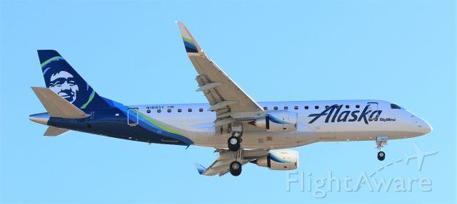Embraer 175 (N188SY)