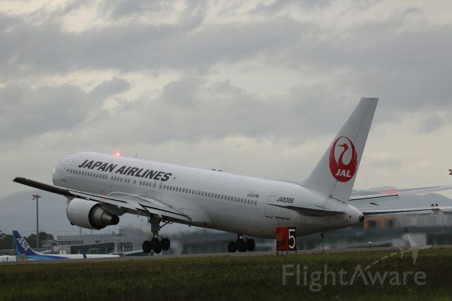 BOEING 767-300 (JA8398) - 12 September 2015: HKD-HND.