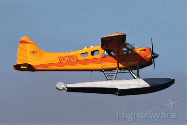 De Havilland Canada DHC-2 Mk1 Beaver (N67681) - Taking off from Lake Washington