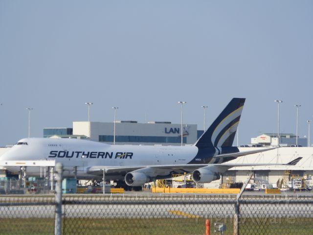 Boeing 747-400 (N400SA)