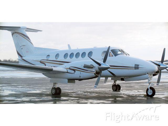 Beechcraft Super King Air 200 (N351CB)