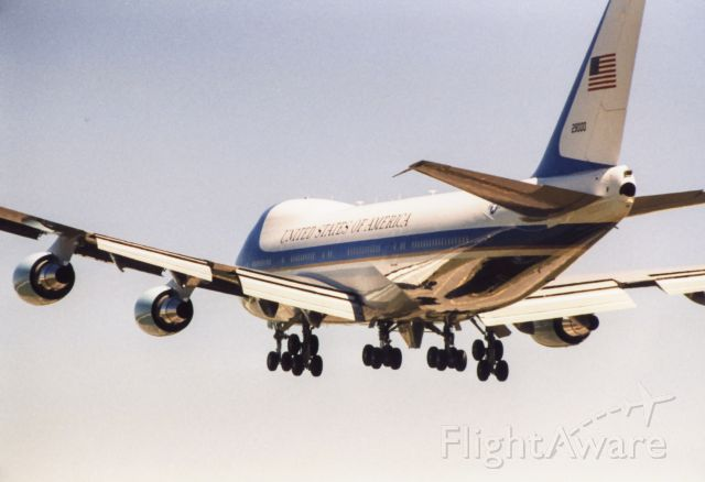 Boeing 747-200 — - VC doing transition work in KDOV pattern.