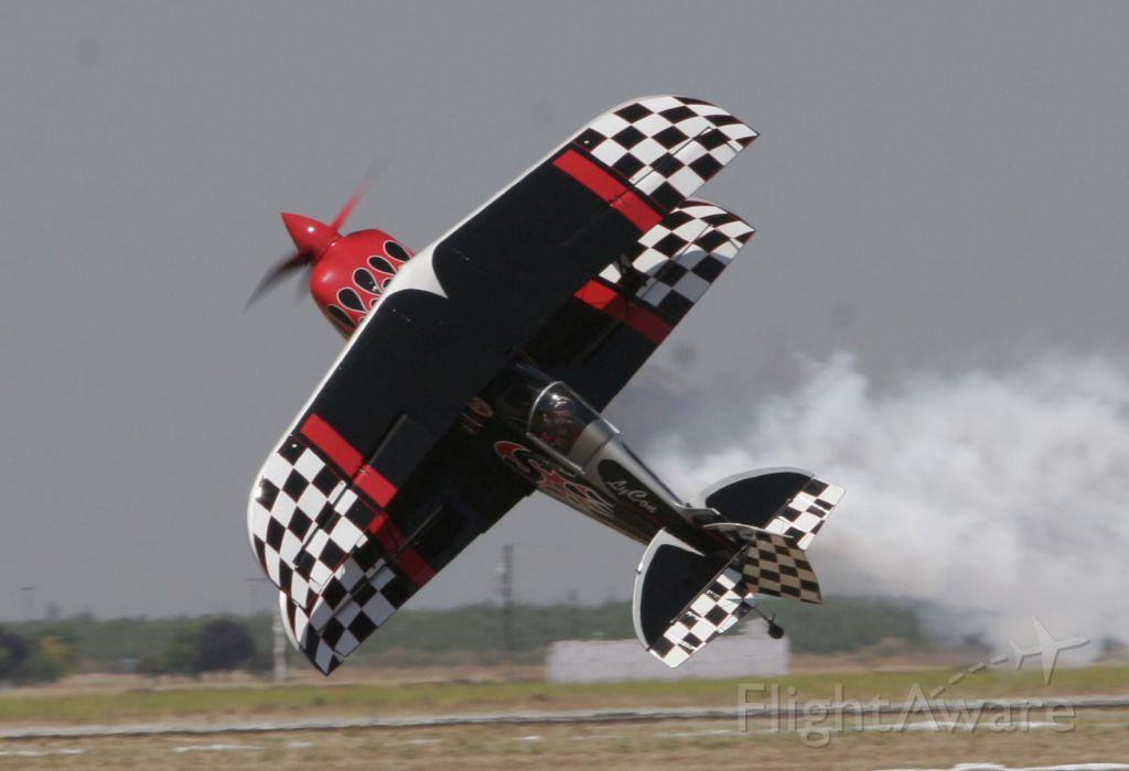 — — - Stunt Plane