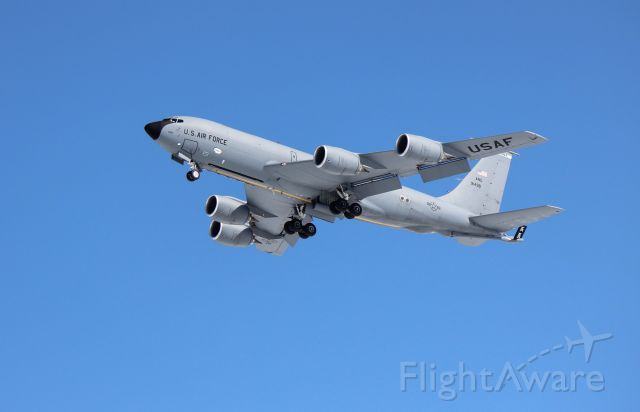 59-1498 — - A KC 135 of the Maine Air National Guard executes a missed approach pass over Bangor International Airport