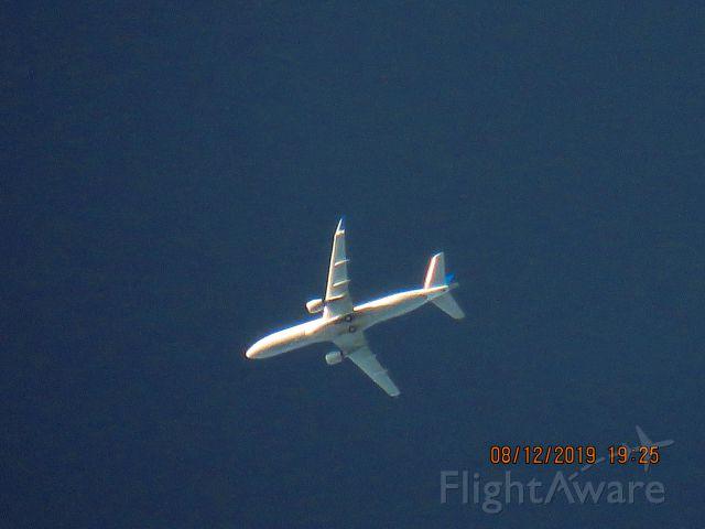 Embraer 175 (N150SY)