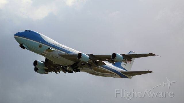 Boeing 747-200 (N28000) - Air Force One departing from Daytona Beach after the Daytona 500