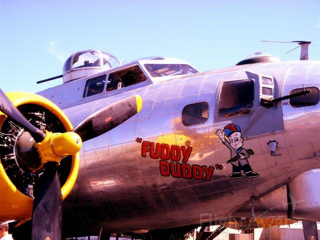 Boeing B-17 Flying Fortress — - FUDDY DUDDY NOSE ART