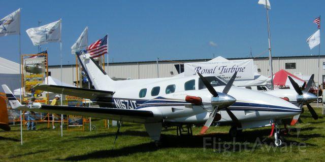 Beechcraft Duke (N157JT)
