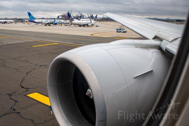 BOEING 777-300ER (N2846U) - EWR-SFO