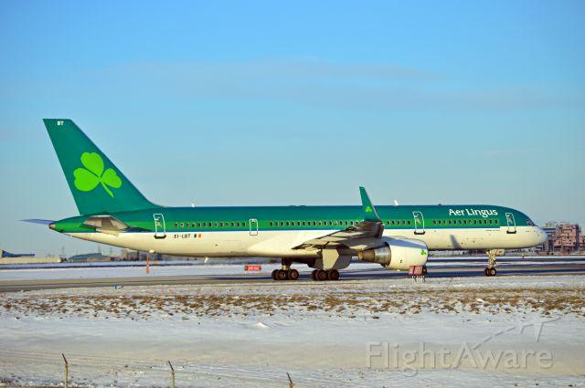 Boeing 757-200 (EI-LBT)