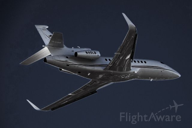 Dassault Falcon 900 (N40LB)