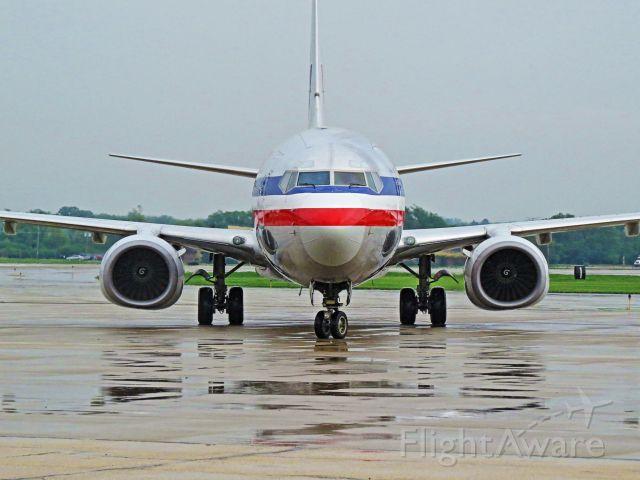 Boeing 737-800 (N902AN)