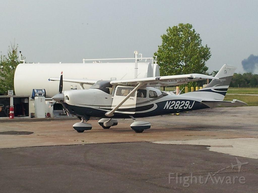 Cessna T206 Turbo Stationair (N2829J)