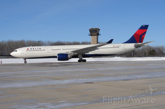 Airbus A330-300 (N820NW) - Arriving from DTW to take the UW Badgers to LAX for the Rosebowl.