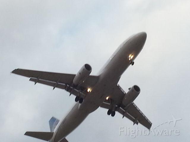 Airbus A320 (N426UA)