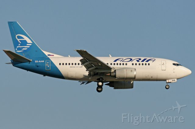 Boeing 737-500 (S5-AAM)