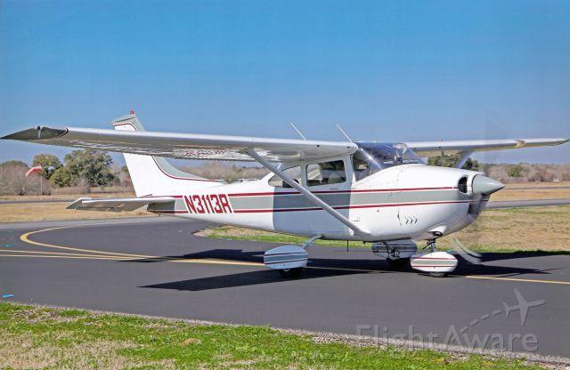 Cessna Skylane (N3113R) - Coming in for Bar-B-Que Lunch at La Grange