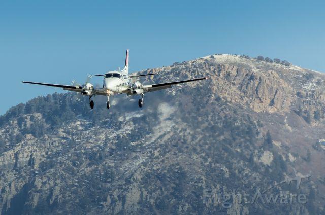 Beechcraft King Air 90 (N330DB) - Beech King Air on approach.