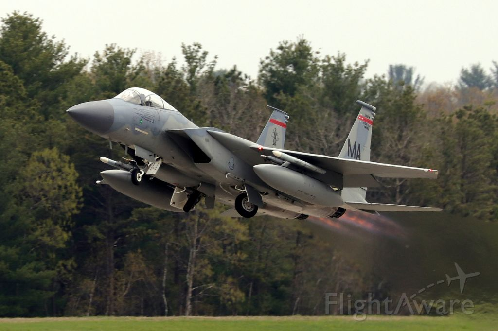 McDonnell Douglas F-15 Eagle (79-0064) - 'Bear 1' from the 104th FW of the MA ANG launching off of rwy 2 (4/28)