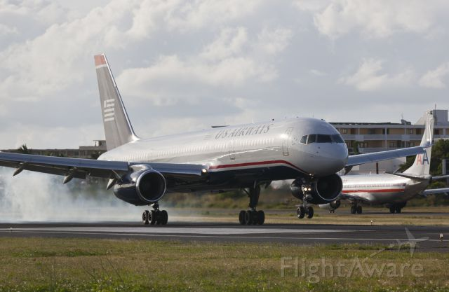 Boeing 757-200 (N936UW)