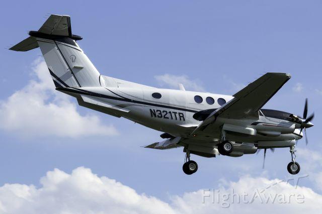 Beechcraft King Air F90 (N321TR)