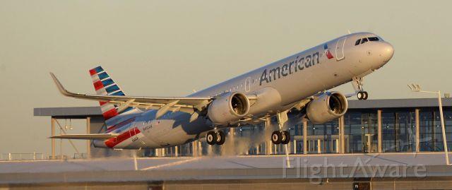 Airbus A321 (N410AN) - phoenix sky harbor international airport  Airbus 321neo 25JAN20