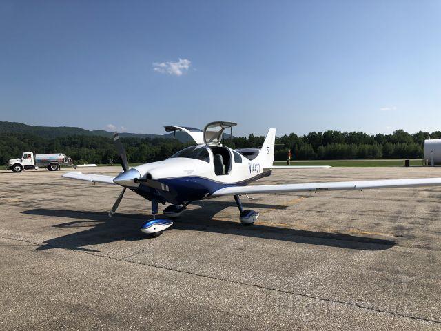 Cessna 350 (N1443T)
