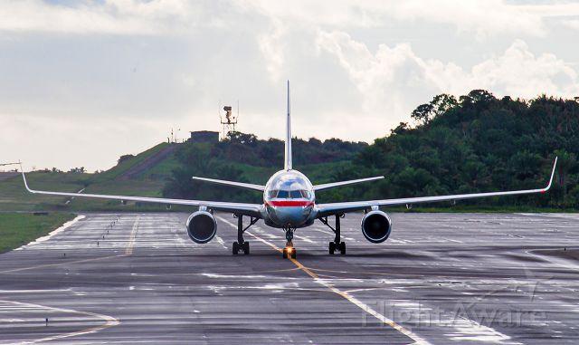Boeing 757-200 (N184AN)