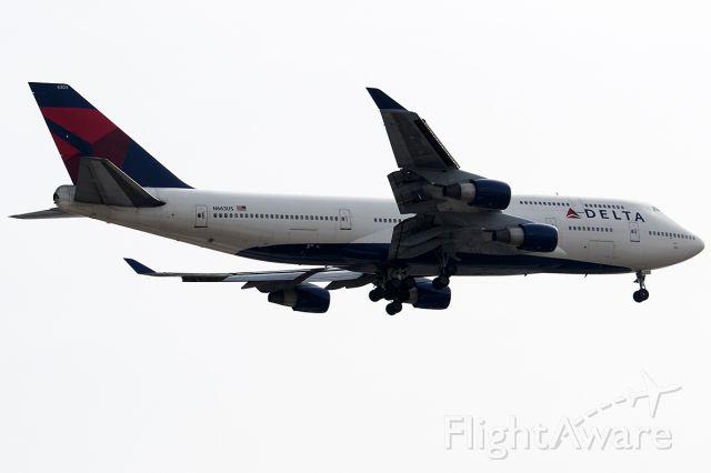 Boeing 747-400 (N663US)