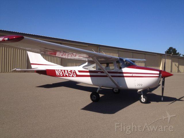 Cessna Skylane (N9145G)