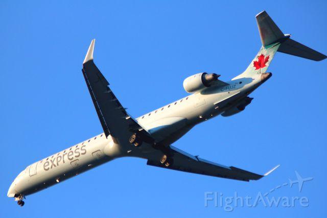 Canadair Regional Jet CRJ-200 (C-FUJZ) - On Final to 30L, from YVR  08-13-2016