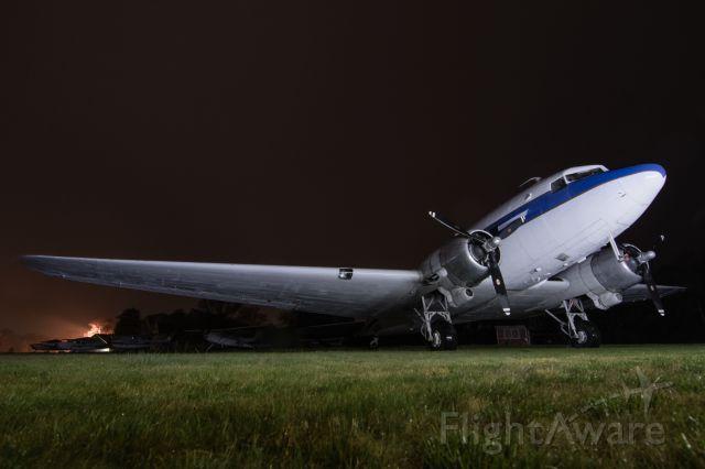 Douglas DC-3 (N61981) - A 1940 DC-3 at Cape Cod Airfield