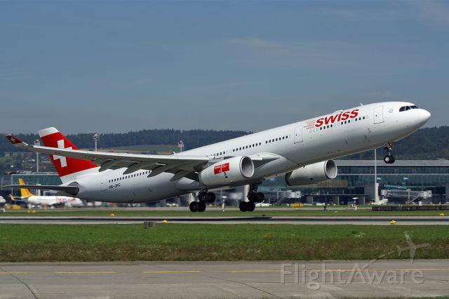 Airbus A330-300 (HB-JHC) - Airbus A330-343X  Swiss  LSZH Zurich Airport Switzerland  20.September 2010