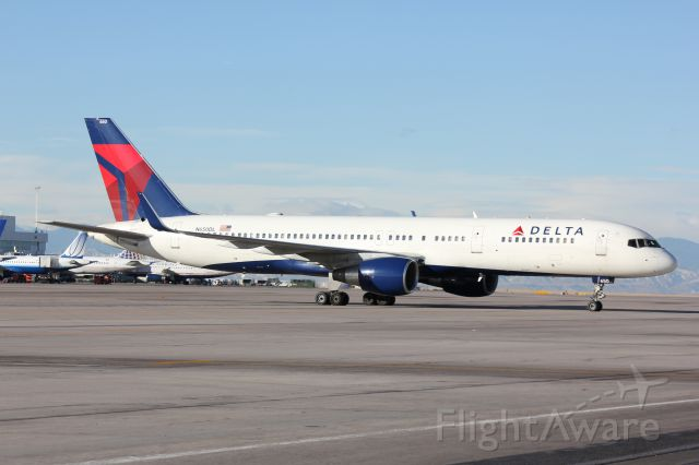 Boeing 757-200 (N650DL) - After being pushed back from her C concourse gate, this Delta 757 is ready to taxi out for takeoff.