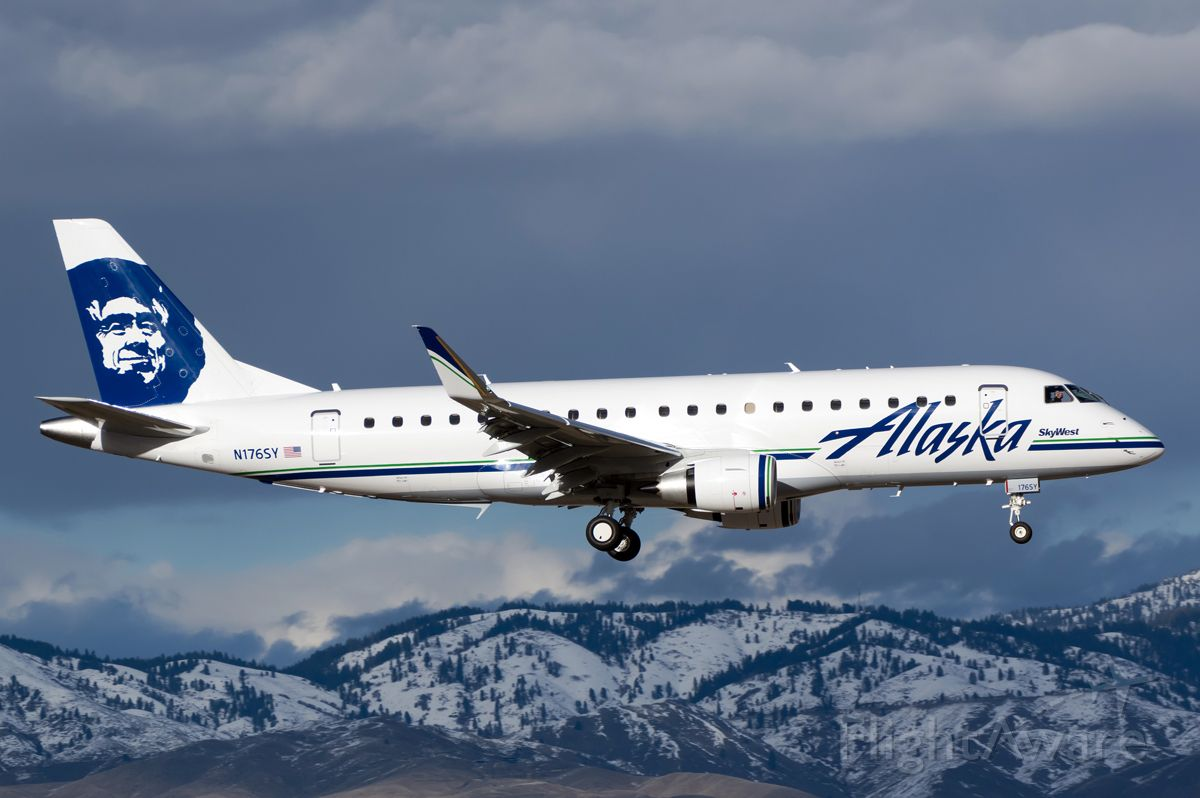 """Embraer 175 (N176SY) - A Brand new E175 for SkyWest landing to complete her delivery flight, Full Photo: <a rel=""""nofollow"""" href=""""http://www.airliners.net/photo/Alaska-Airlines-SkyWest/Embraer-175LR-ERJ-170-200LR"""">http://www.airliners.net/photo/Alaska-Airlines-SkyWest/Embraer-175LR-ERJ-170-200LR</a>)/2769953/L/&sid=cf7548234f60606f7bde1186b498993d"""