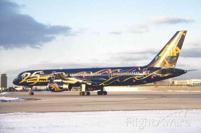 Boeing 757-200 (N520AT)