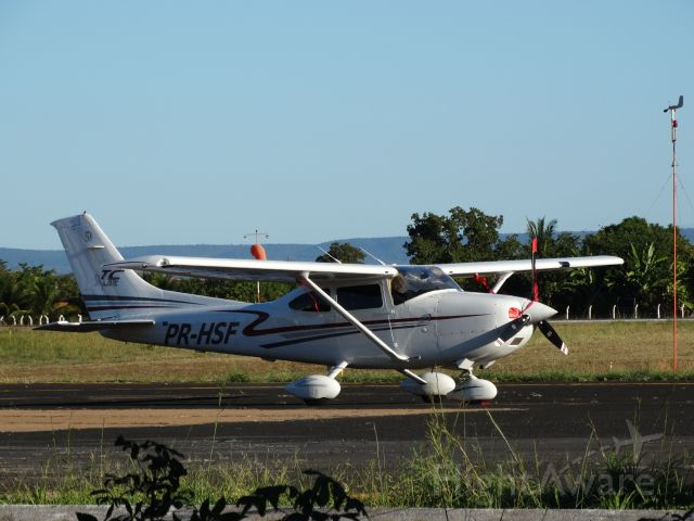 Cessna Skylane (PR-HSF) - Cessna 182 Skylane