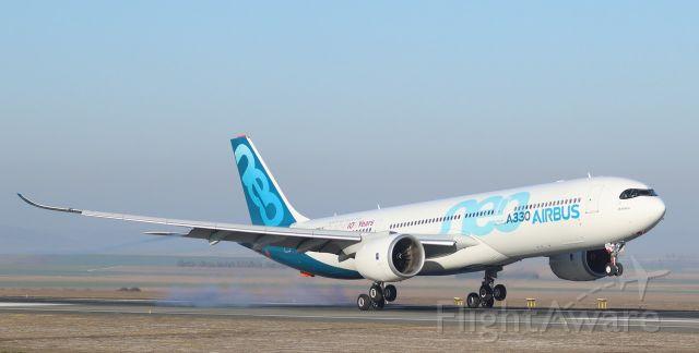 Airbus A330-300 (F-WTTN)