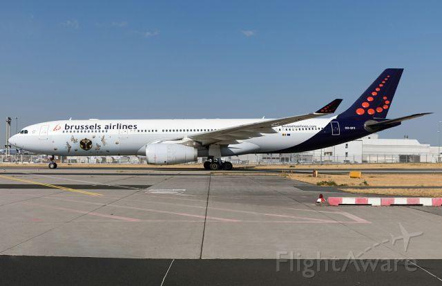 Airbus A330-200 (OO-SFX)