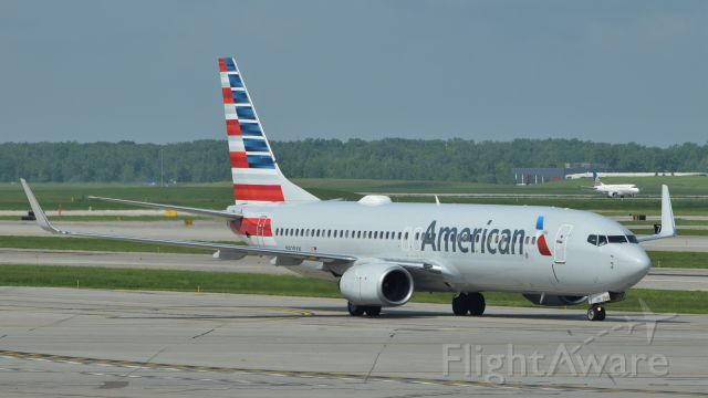 Boeing 737-800 (N928AN) - Arrival of an out and back flight from Chicago, on May 28, 2019