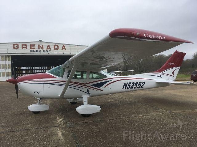Cessna Skylane (N52552)